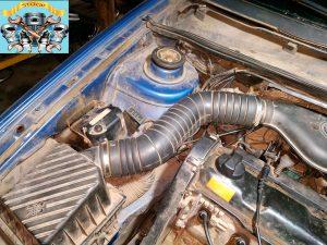 Замена регулятора ХХ VW Pssat B4 1,8 моновпрыск.