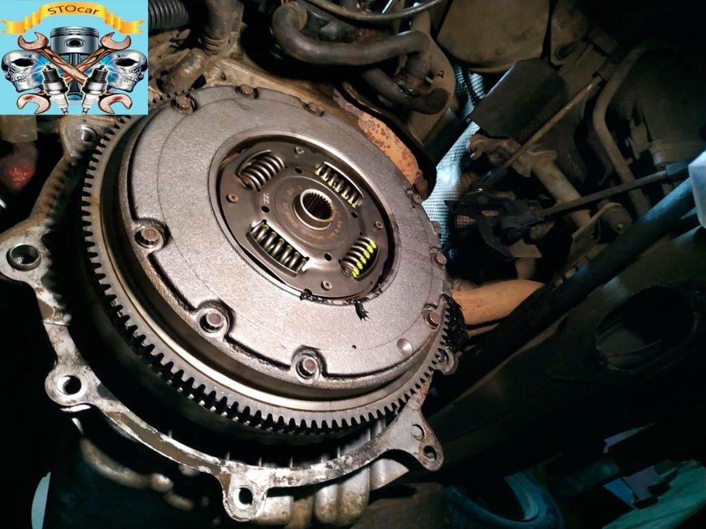 Шкода Октавия Тур. Двигатель 1.6. Замена втулки штока выжима сцепления